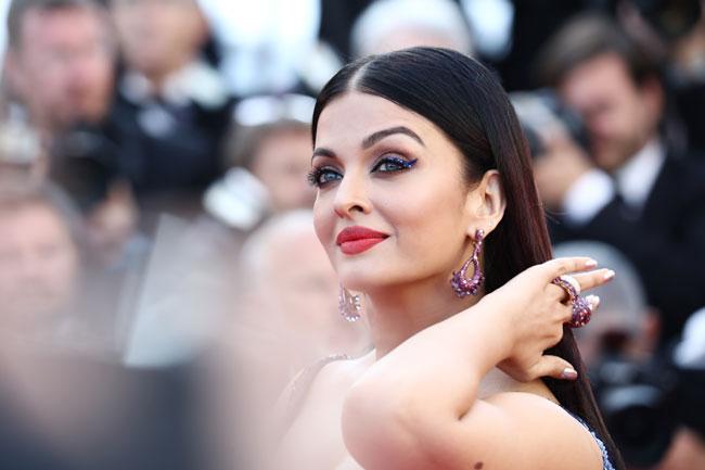 Aishwarya Rai Bachchan Hot Photos At Cannes Film Festival 2018