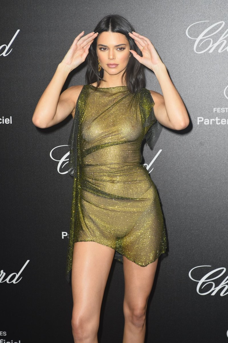 kendall jenner goes braless at cannes film festival party 5