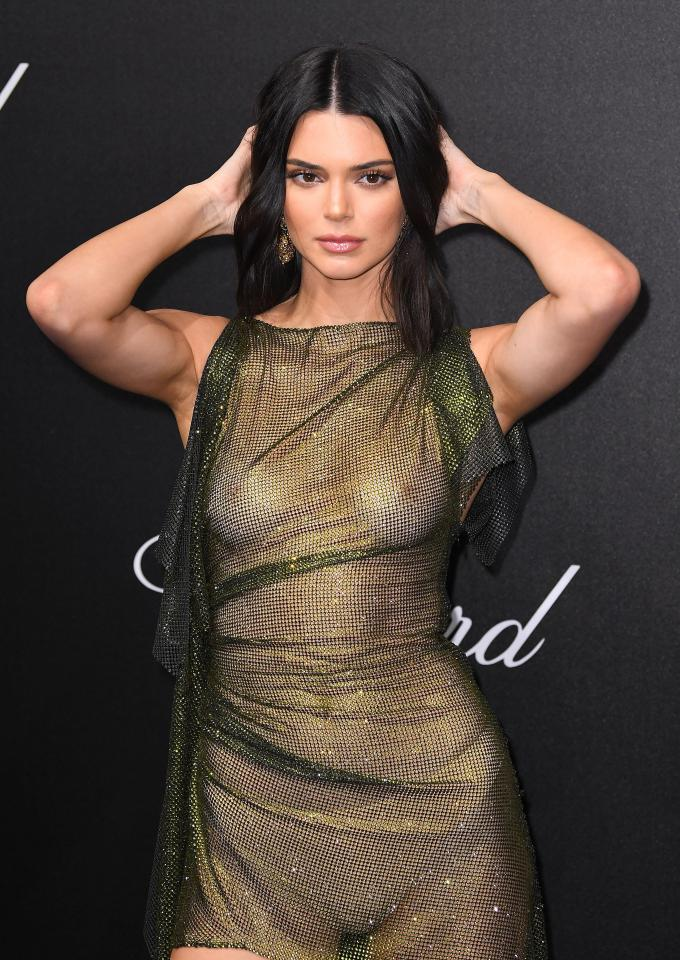kendall jenner goes braless at cannes film festival party 8