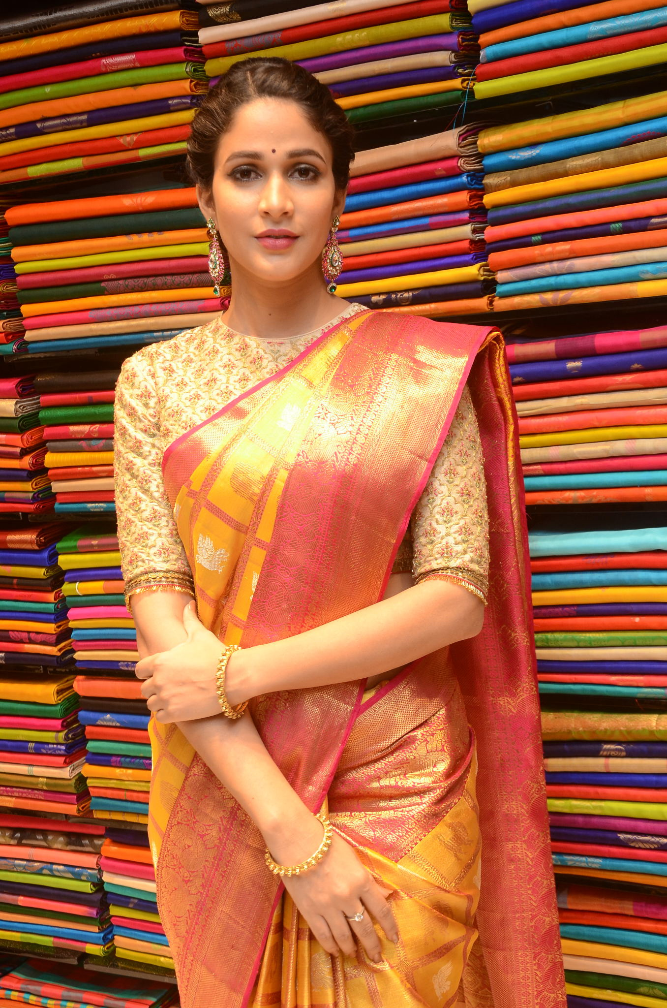 lavanya tripathi saree stills at kancheepuram kamakshi silks launch 13