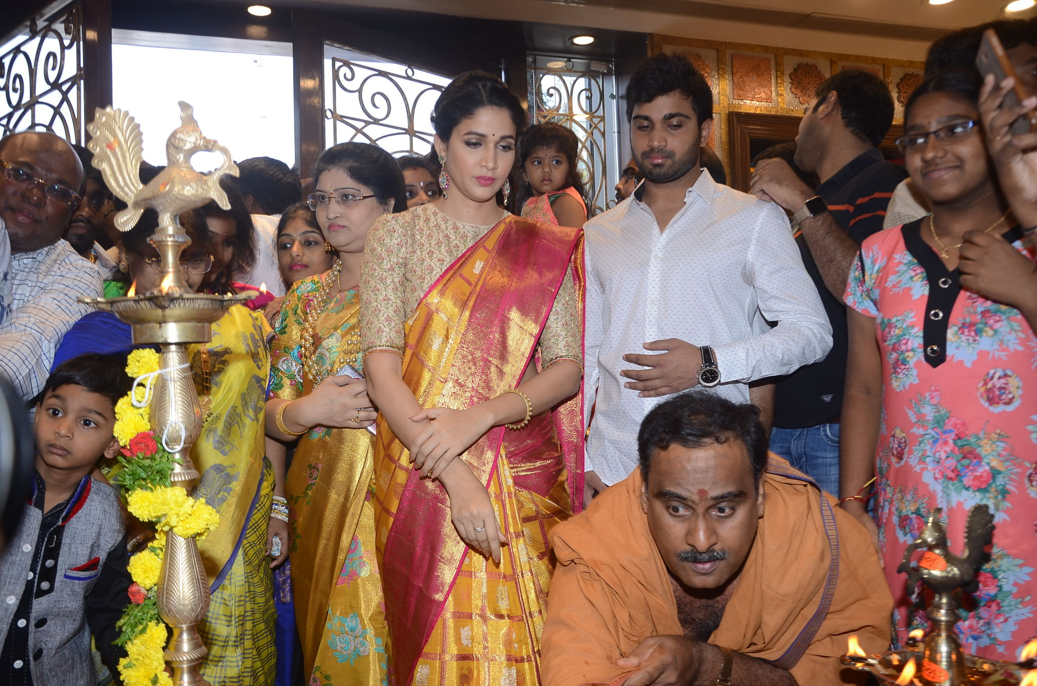 lavanya tripathi saree stills at kancheepuram kamakshi silks launch 3
