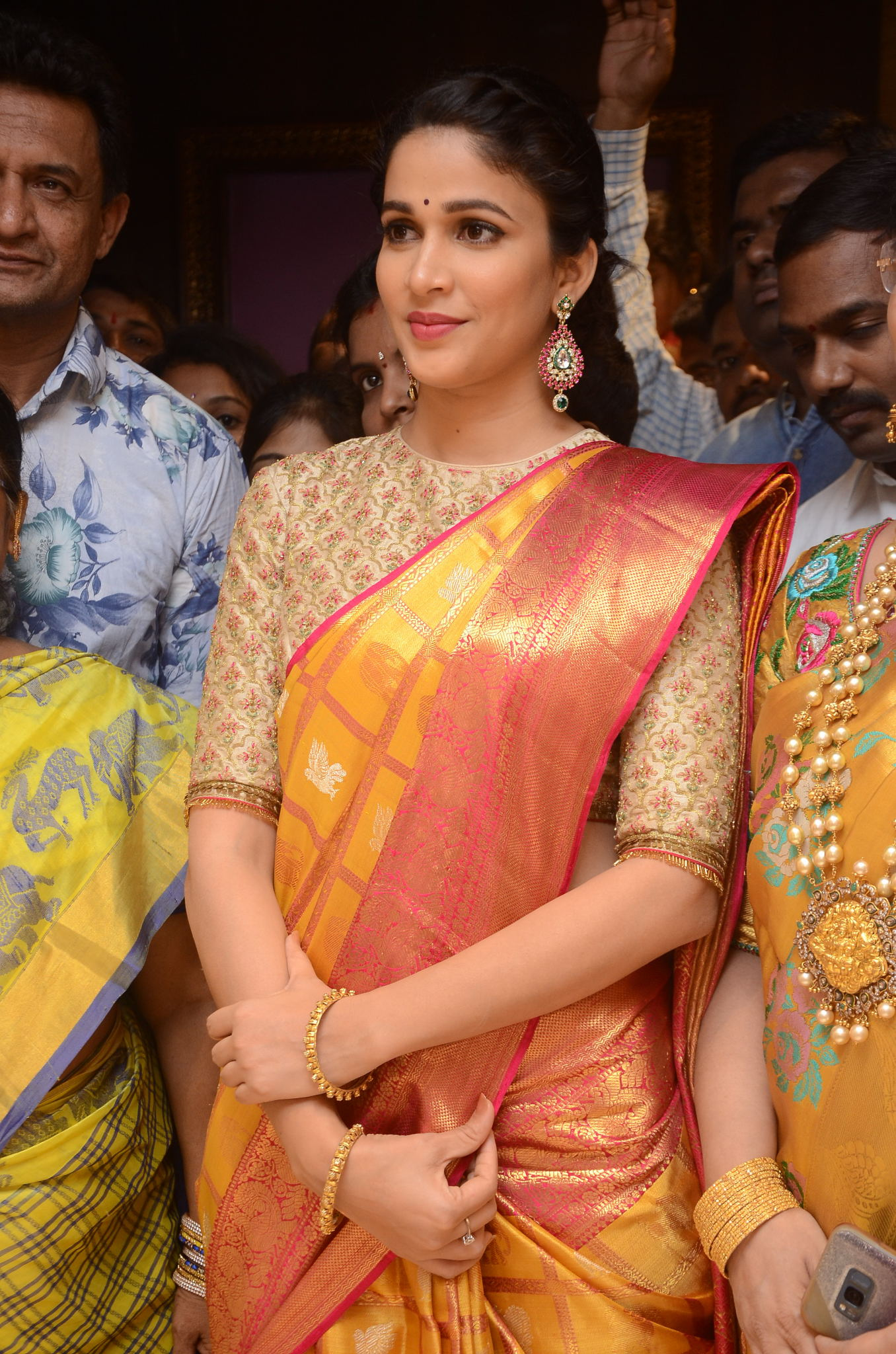 lavanya tripathi saree stills at kancheepuram kamakshi silks launch 4