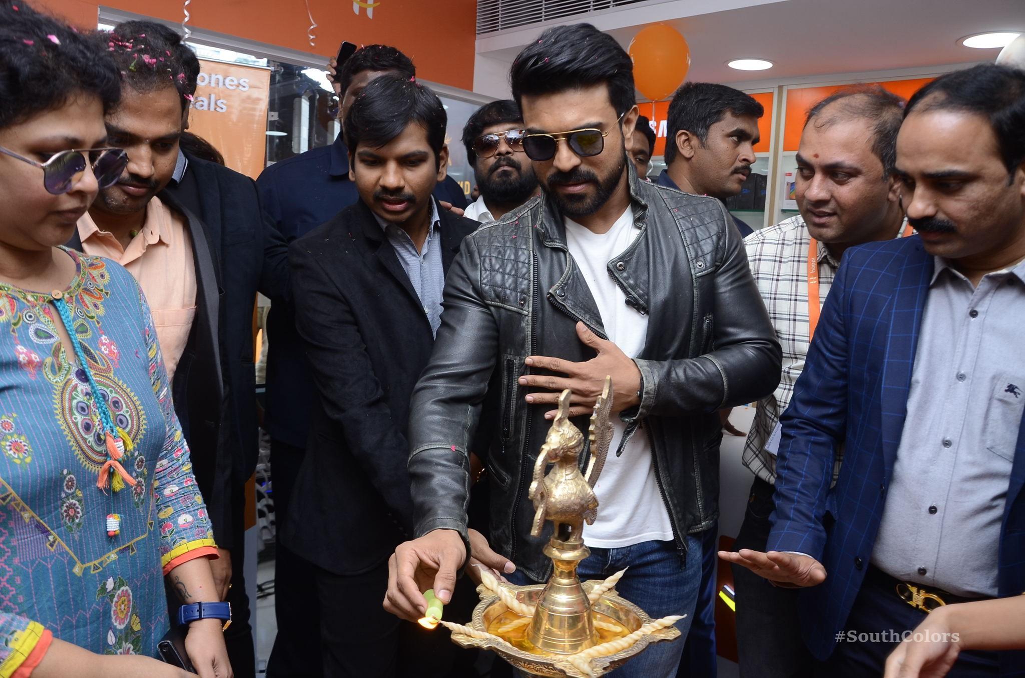 Ramcharan Happi Mobiles Store Launch Photos at Chanda Nagar Southcolors 11