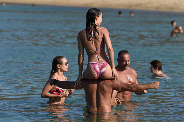 amy jackson hot bikini photos at beach southcolors 2