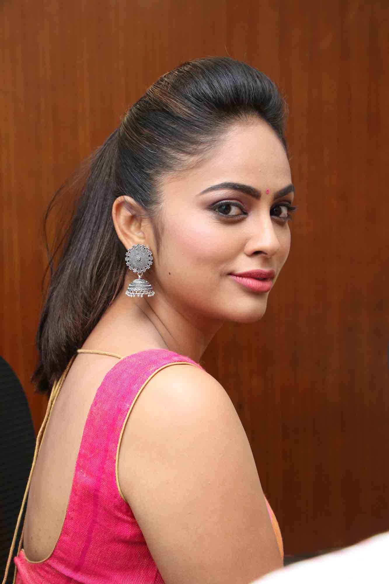 nandita sweta saree photos at asuravatham press meet southcolors 16