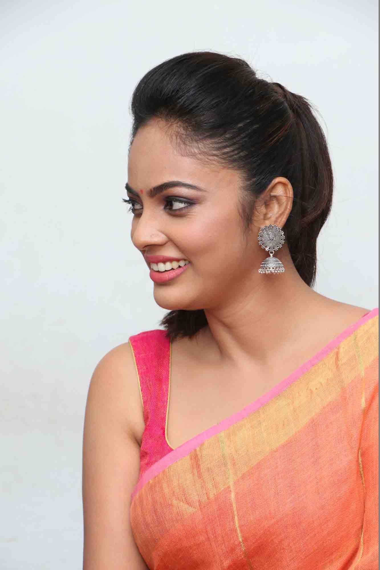 nandita sweta saree photos at asuravatham press meet southcolors 4