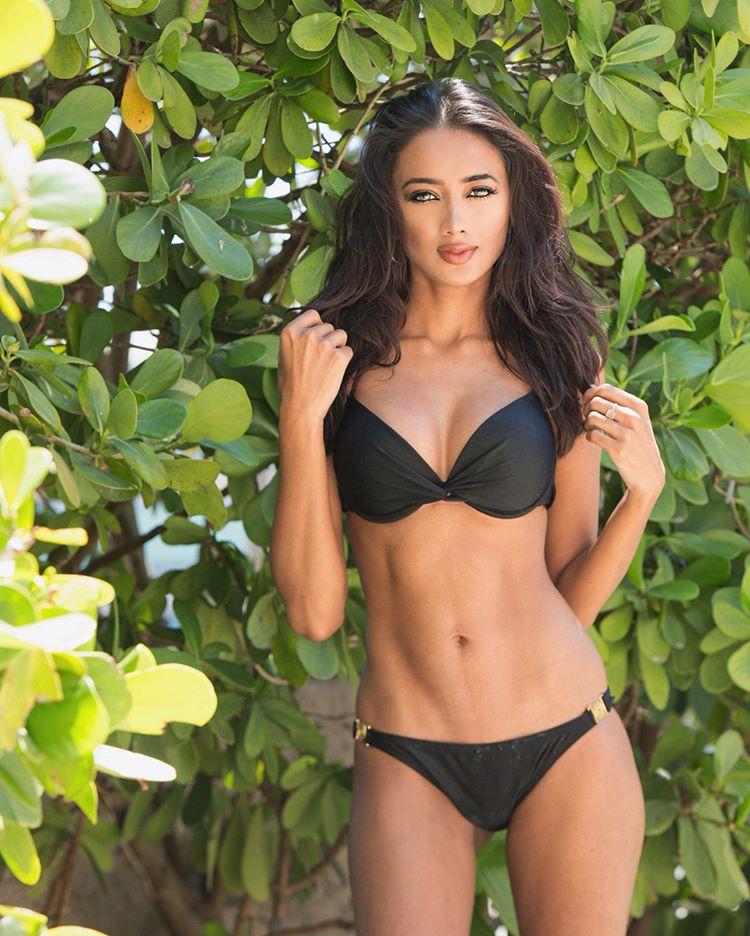 ramina ashfaque hot bikini photoshoot southcolors 10