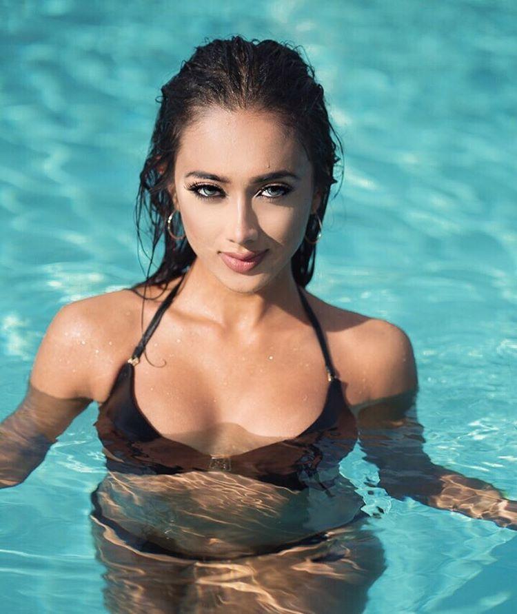 ramina ashfaque hot bikini photoshoot southcolors 23