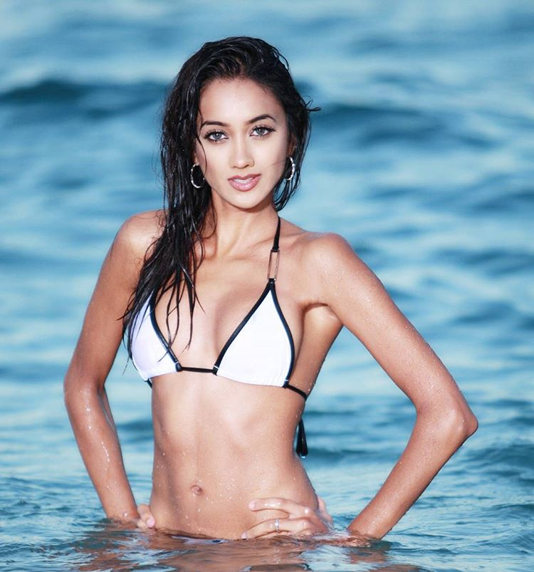 ramina ashfaque hot bikini photoshoot southcolors 40