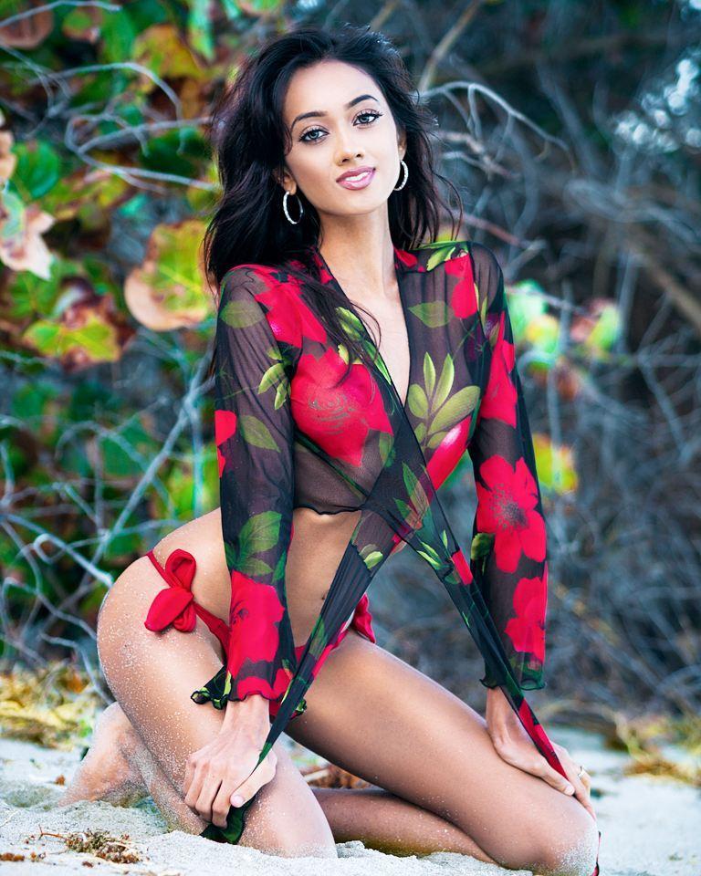 ramina ashfaque hot bikini photoshoot southcolors 42