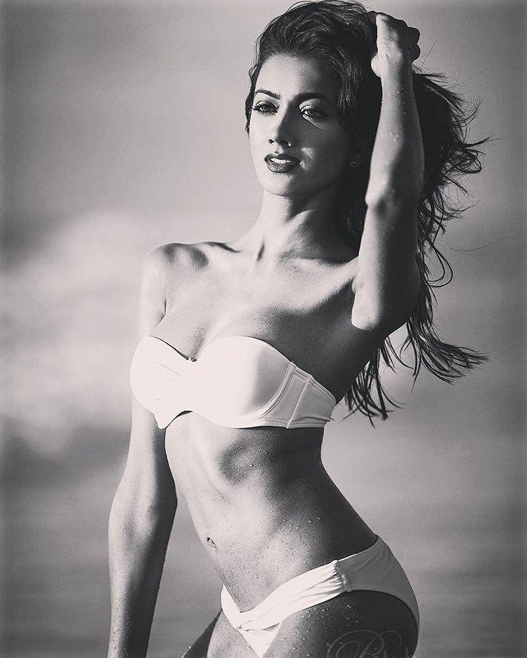 ramina ashfaque hot bikini photoshoot southcolors 46