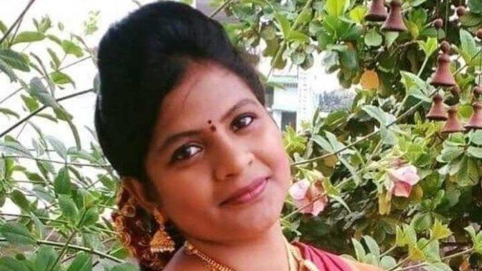 Telugu TV Anchor Tejaswini Commits Suicide