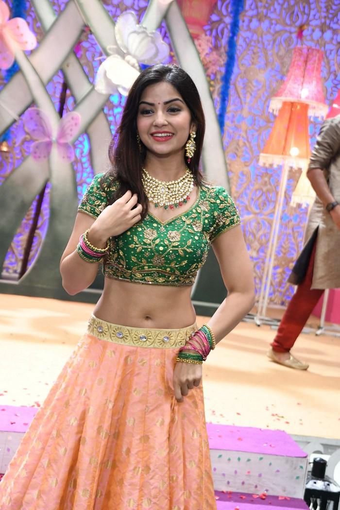 actress kashmira pardeshi hot photos southcolors 11