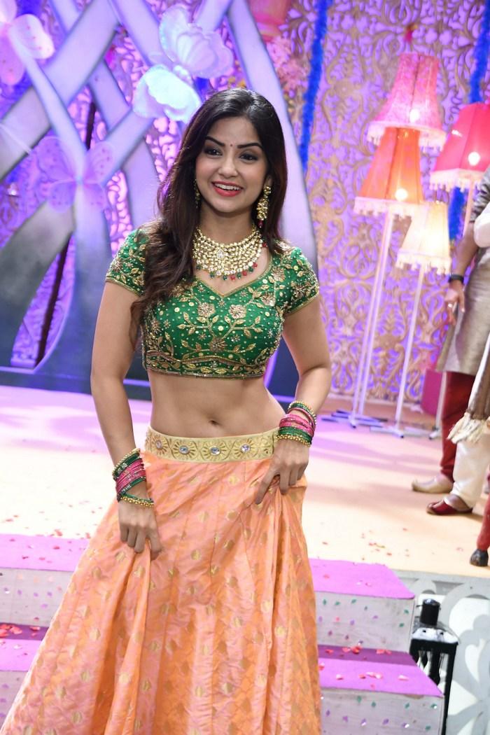 actress kashmira pardeshi hot photos southcolors 15