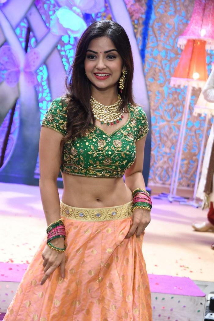 actress kashmira pardeshi hot photos southcolors 17