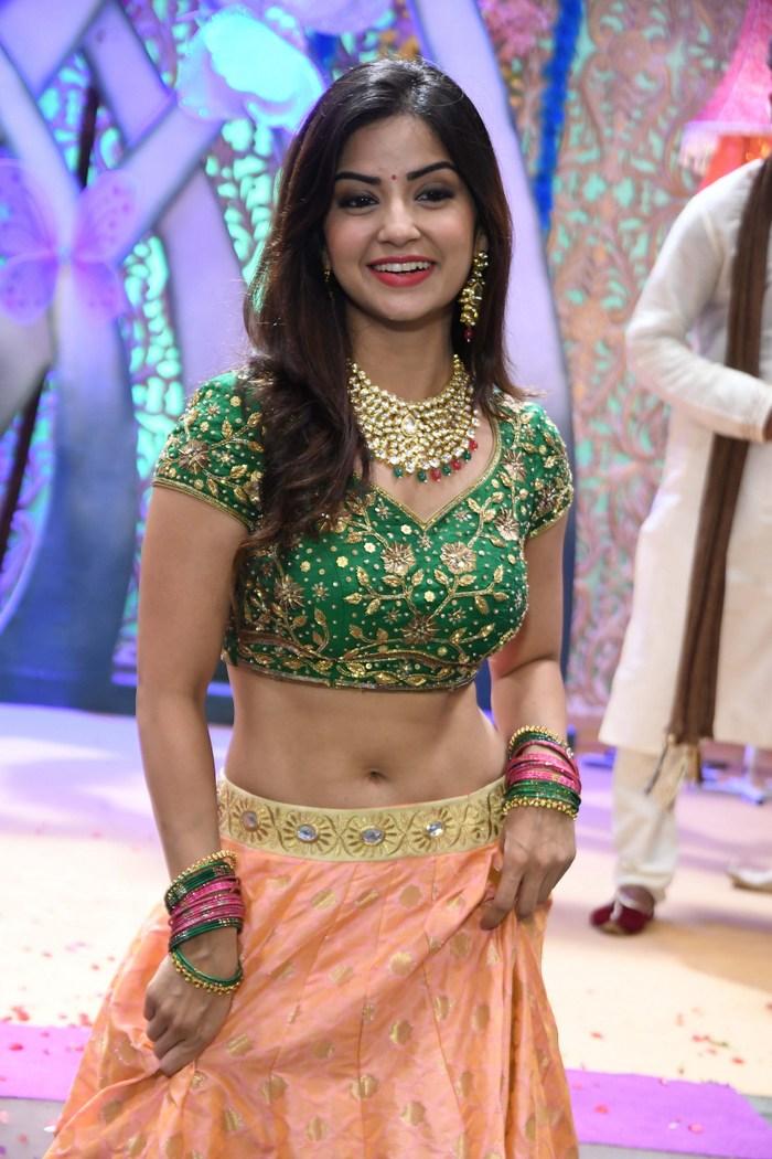 actress kashmira pardeshi hot photos southcolors 18