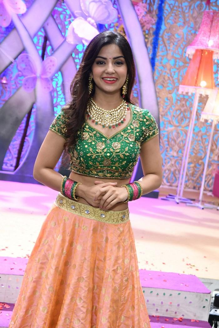 actress kashmira pardeshi hot photos southcolors 3