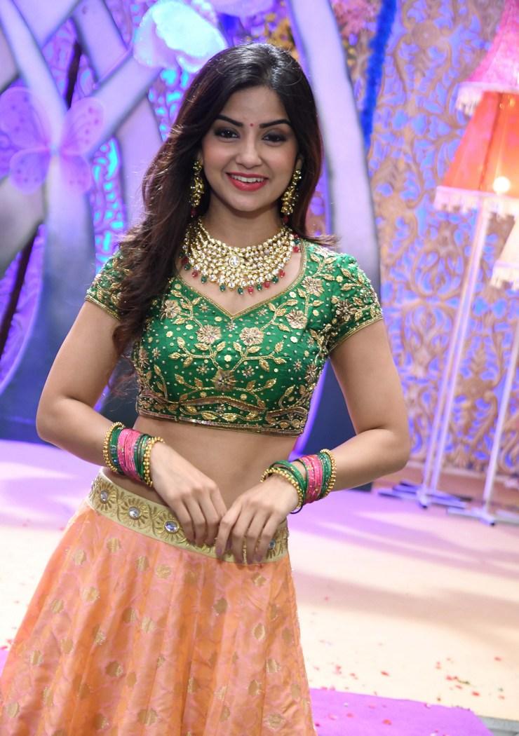 actress kashmira pardeshi hot photos southcolors 6