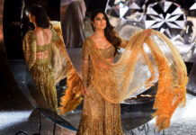 Kareena Kapoor Walks The Ramp in 30 Kg Gold Lehenga