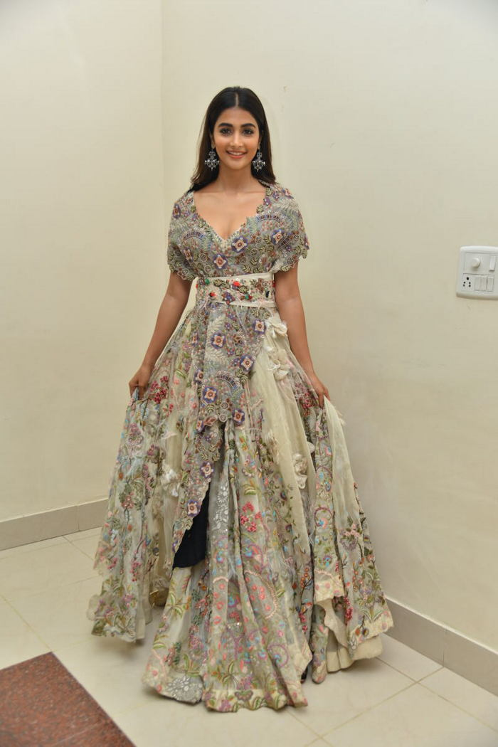 pooja hegde new photos at saakshyam movie audio launch southcolors 14