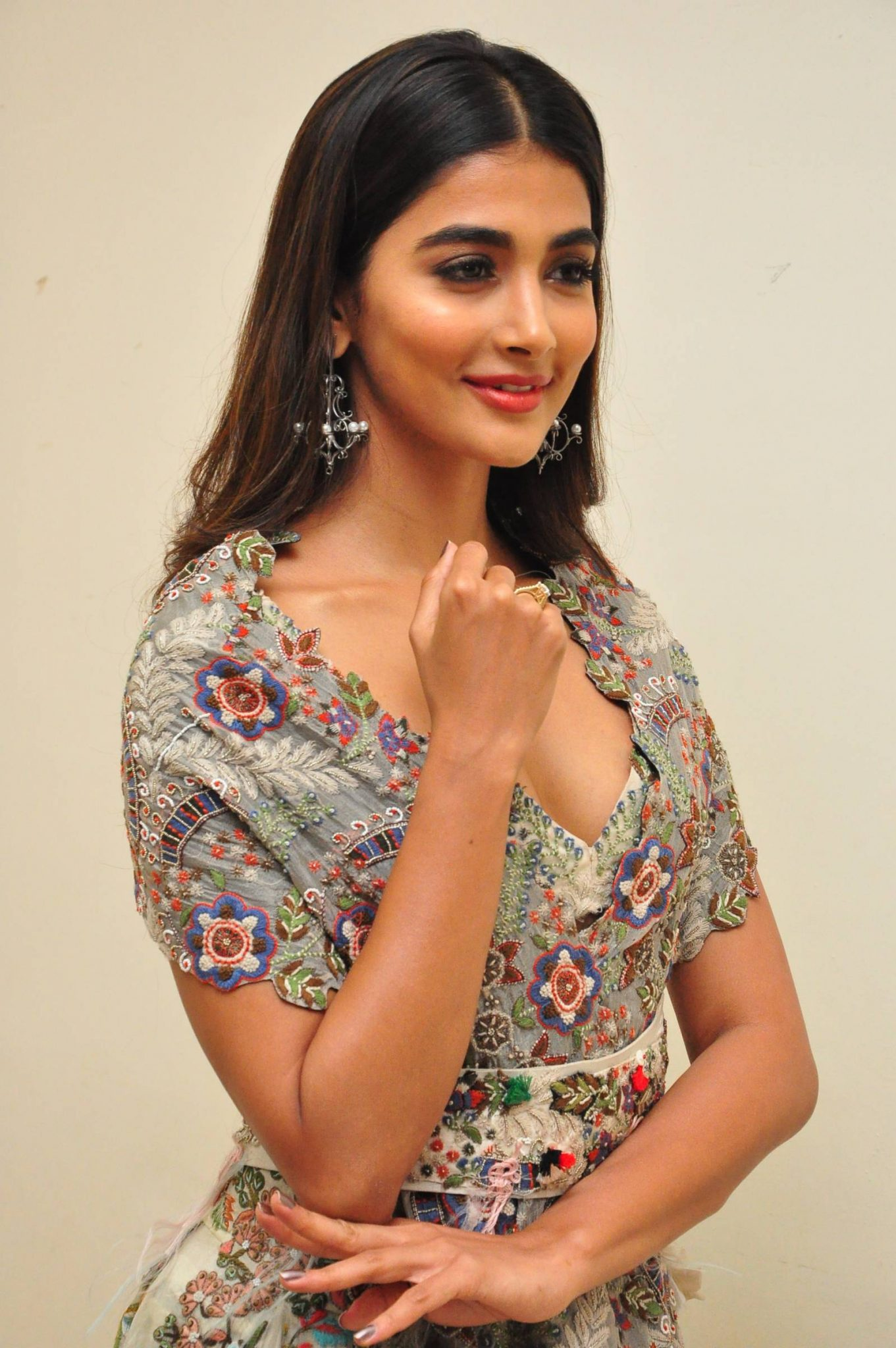 pooja hegde new photos at saakshyam movie audio launch southcolors 5