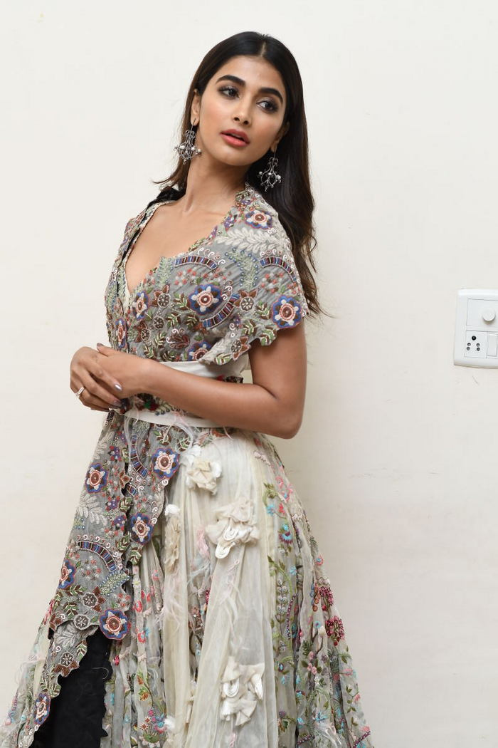 pooja hegde new photos at saakshyam movie audio launch southcolors 6