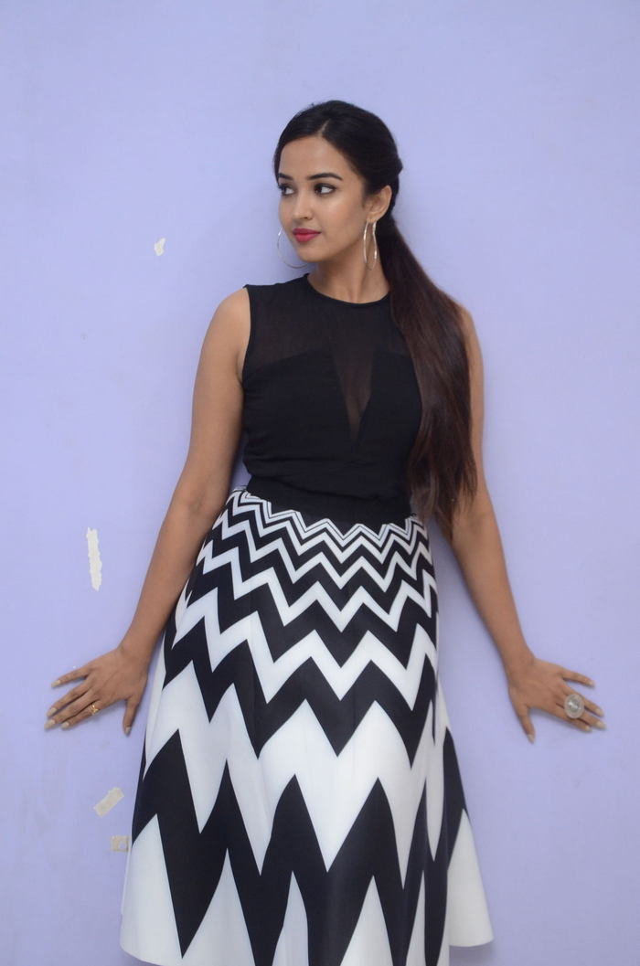 poojitha ponnada latest photos at brandbabu teaser launch southcolors 2