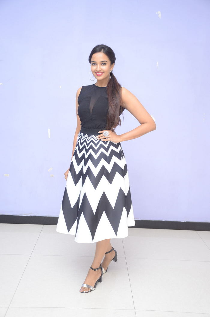 poojitha ponnada latest photos at brandbabu teaser launch southcolors 24