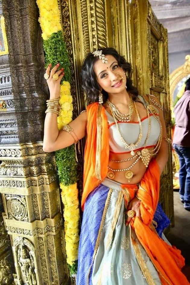 sanjjanaa galrani photos from swarna khadgam serial southcolors 10