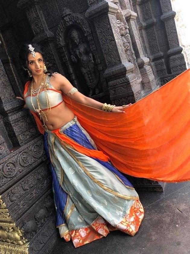 sanjjanaa galrani photos from swarna khadgam serial southcolors 3