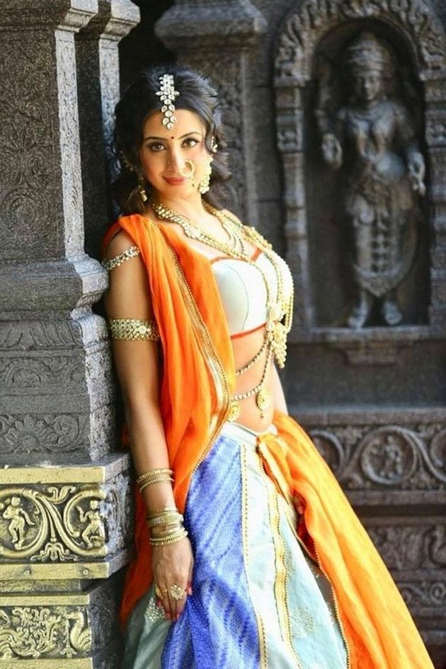 sanjjanaa galrani photos from swarna khadgam serial southcolors 8