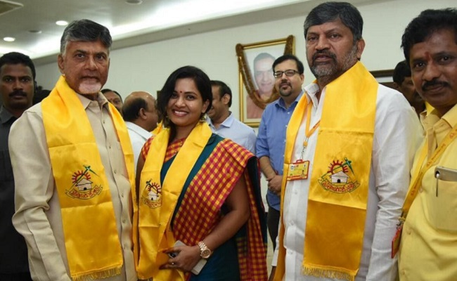 Actress Revathi Chowdary Joins TDP In Presence of Chandrababu - SouthColors