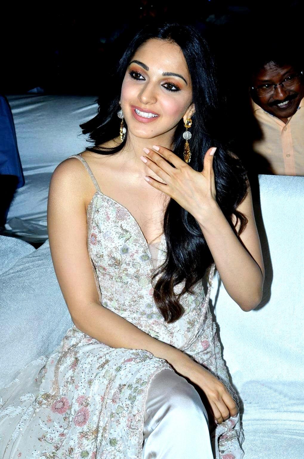 kiara advani images at vinaya vidheya rama movie pre release event southcolors 19