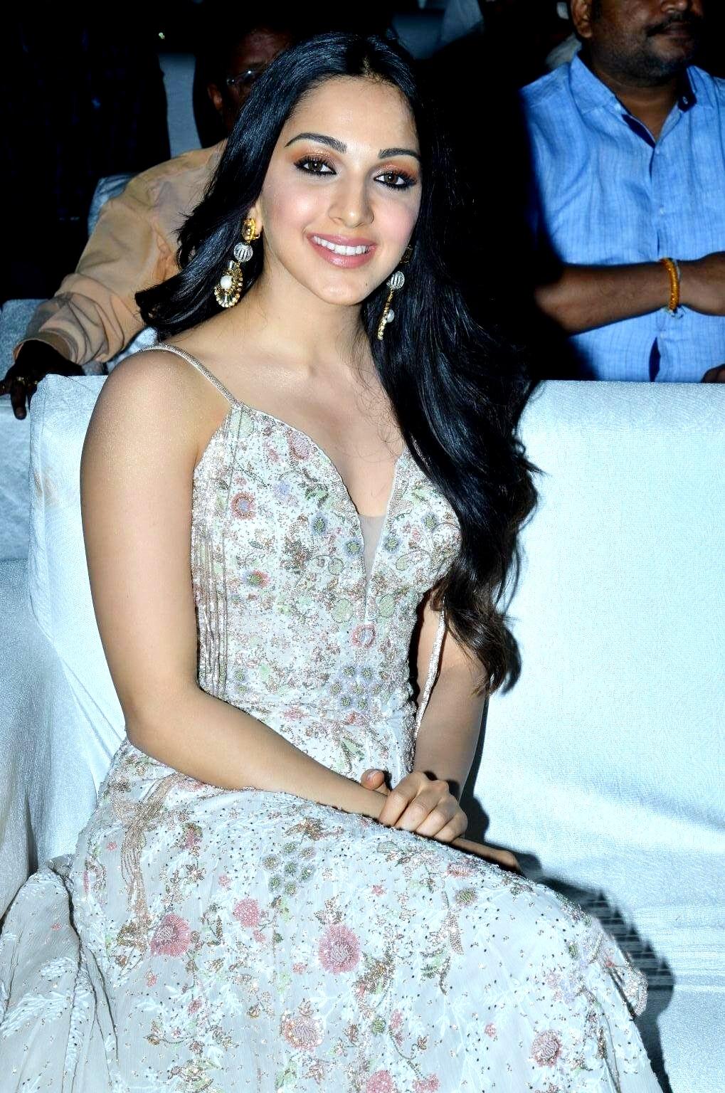 kiara advani images at vinaya vidheya rama movie pre release event southcolors 20
