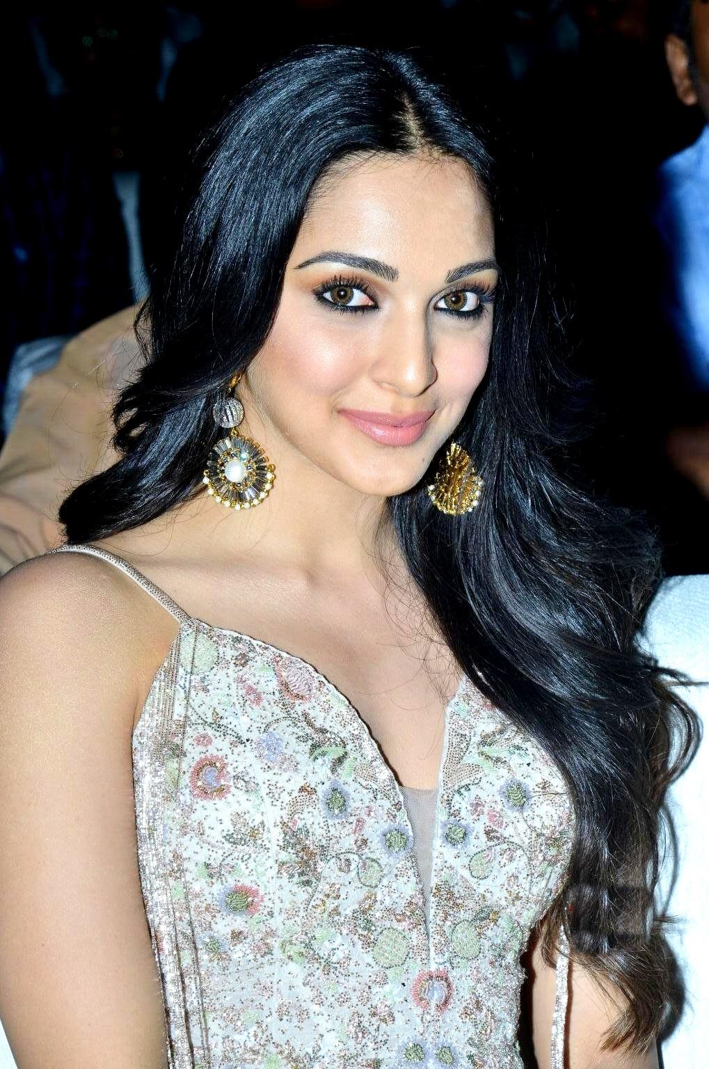 kiara advani images at vinaya vidheya rama movie pre release event southcolors 22