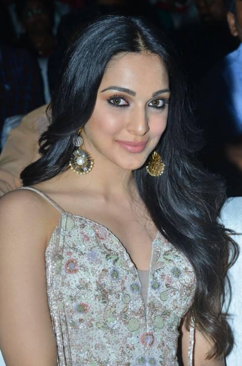 kiara advani images at vinaya vidheya rama movie pre release event southcolors 5