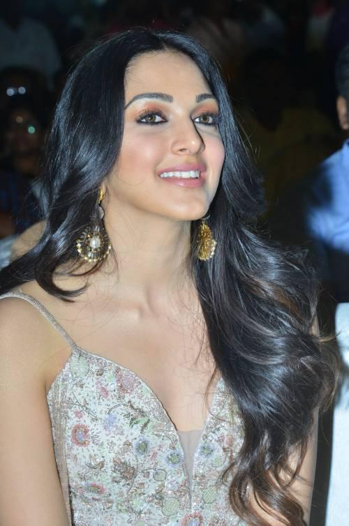 kiara advani images at vinaya vidheya rama movie pre release event southcolors 6