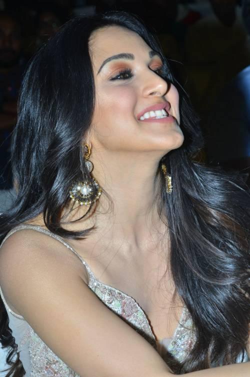 kiara advani images at vinaya vidheya rama movie pre release event southcolors 7