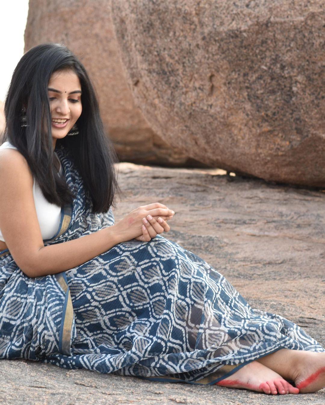 Actress Ananya Nagalla Hot Photos in White Saree 17