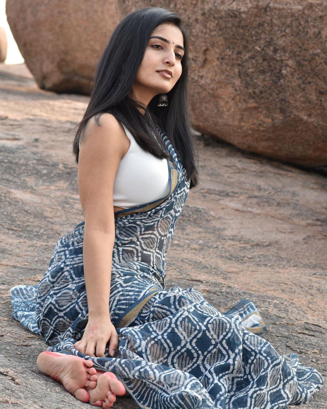 Actress Ananya Nagalla Hot Photos in White Saree 4
