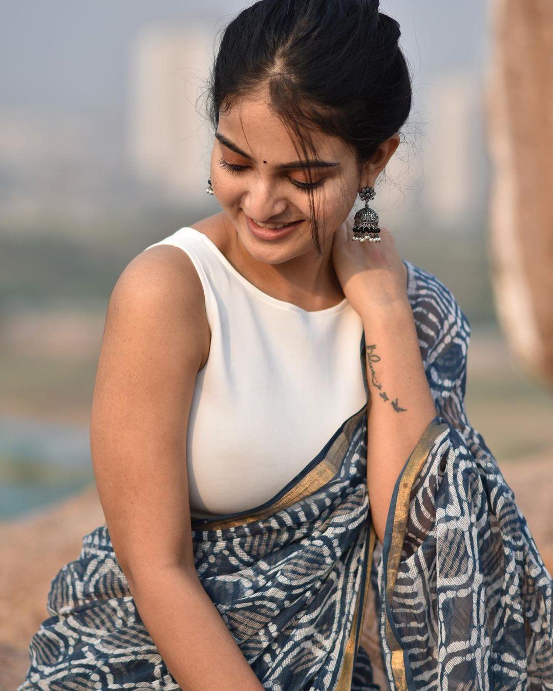 Actress Ananya Nagalla Hot Photos in White Saree 7