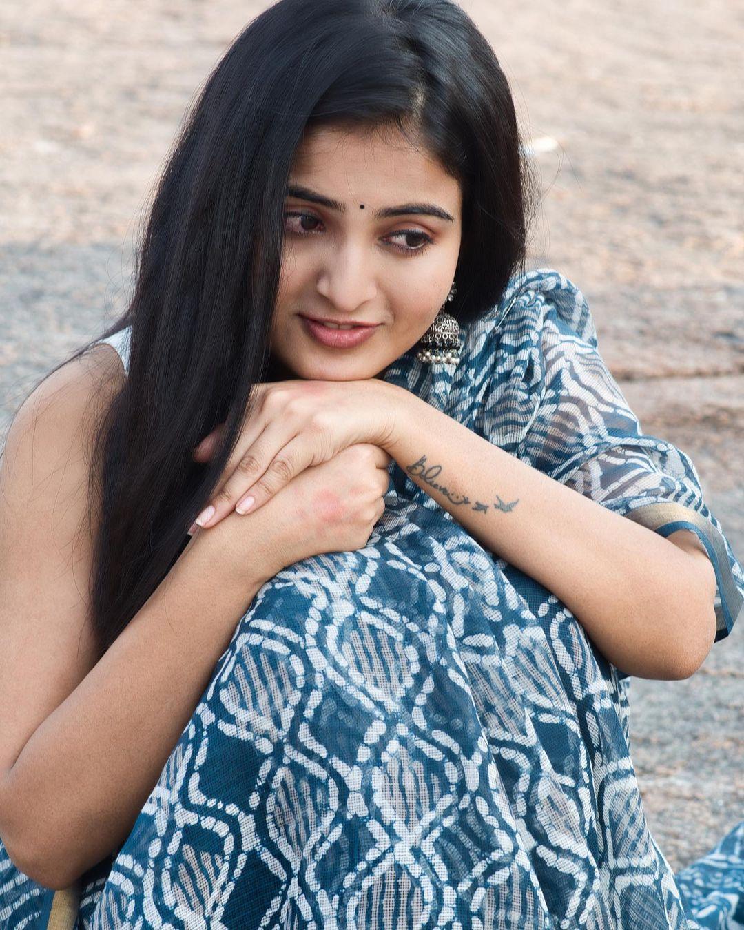 Actress Ananya Nagalla Hot Photos in White Saree 8