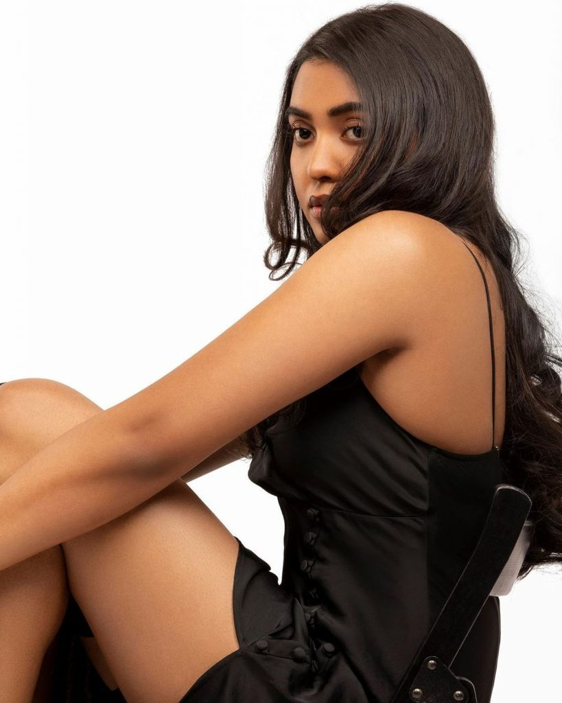 Shivathmika Hot Photoshoot in Black Outfit!