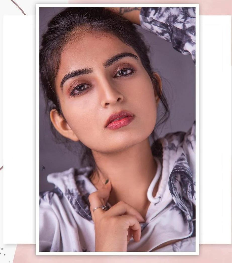 Actress Ananya Nagalla Flaunting Her Hot Curves Southcolors 2