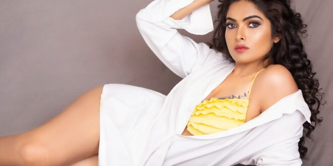 Divi Vadthya Instagram Photos and Videos