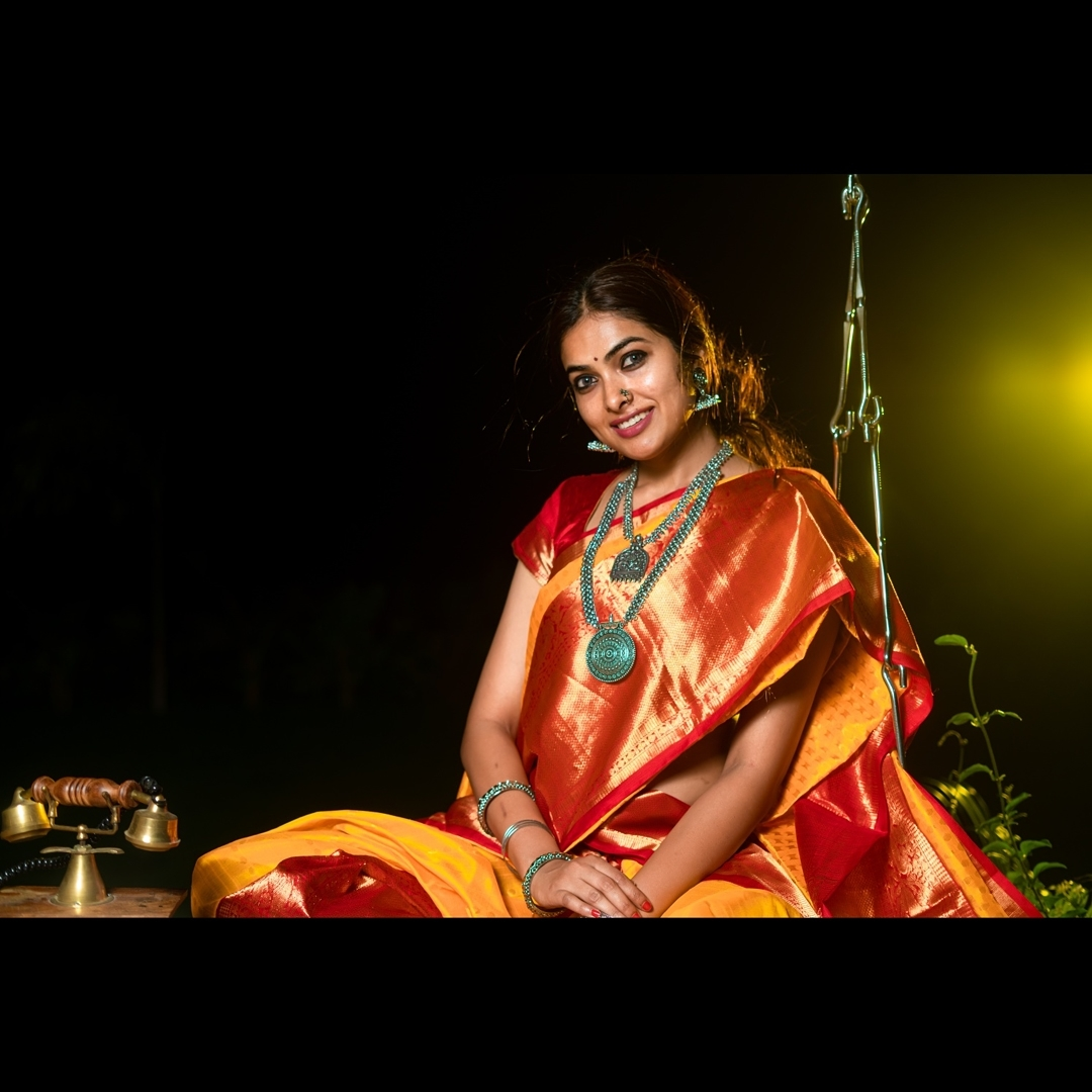 Divi Vadthya Looks Captivating in Saree Southcolors 2