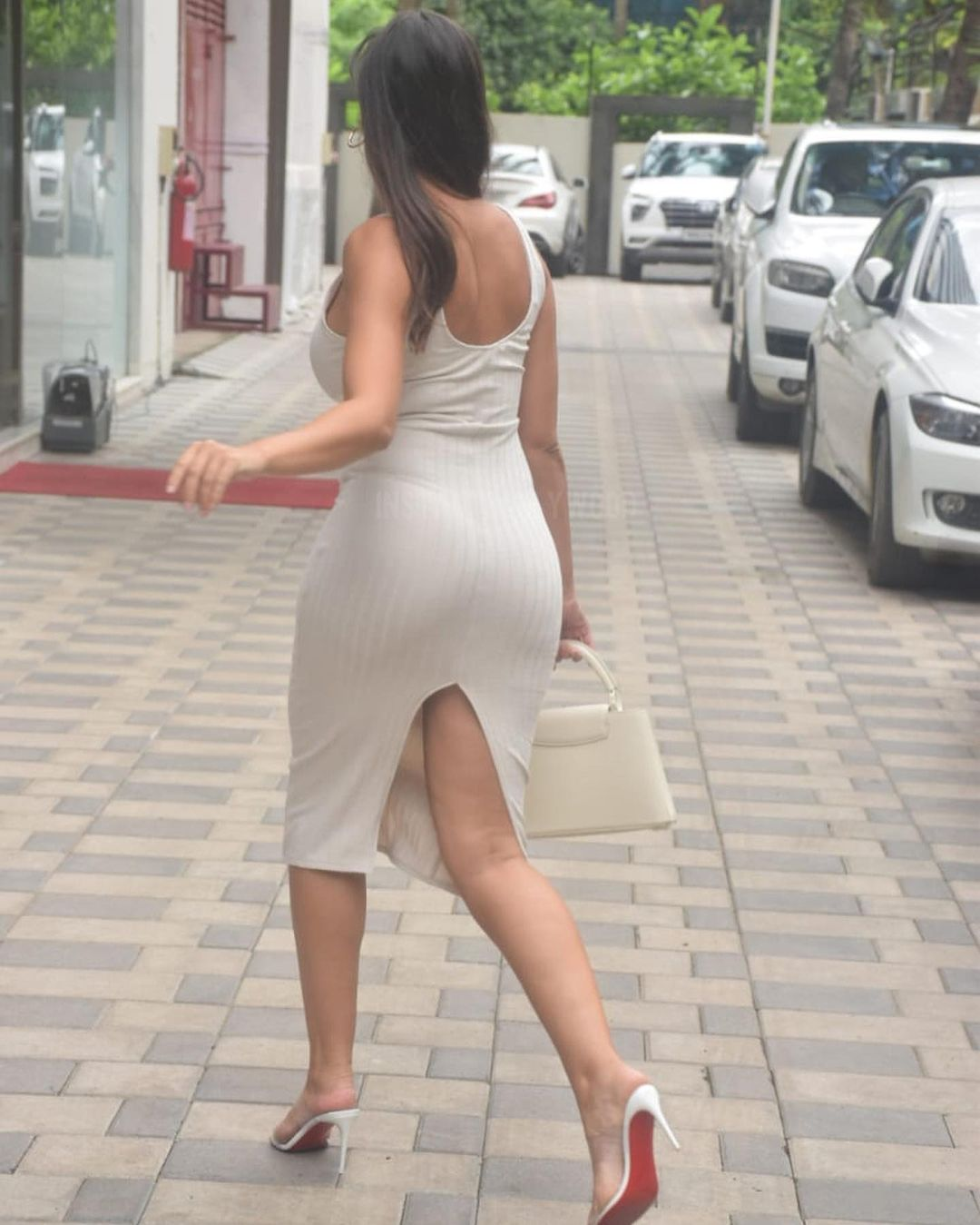 Actress Nora Fatehi Bootylicious Curves in Bodycon Dress 5