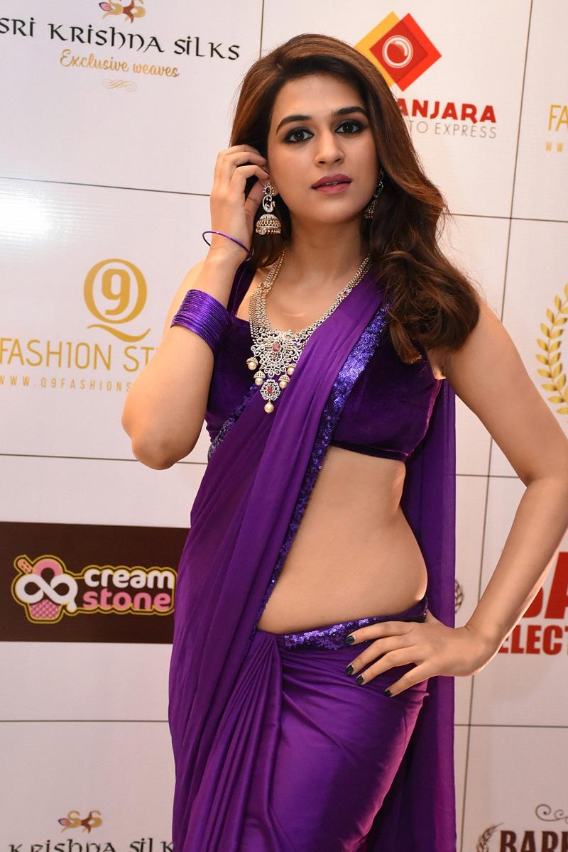 Shraddha Das Purple Saree Stills From Digital Influencer Awards In Hyderabad Theprimetalks 12