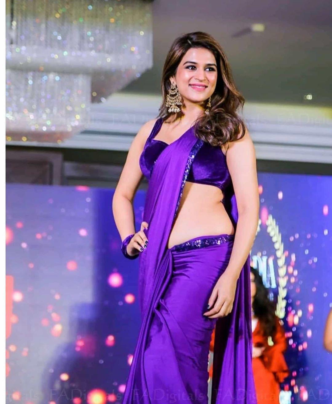 Shraddha Das Purple Saree Stills From Digital Influencer Awards In Hyderabad Theprimetalks 6