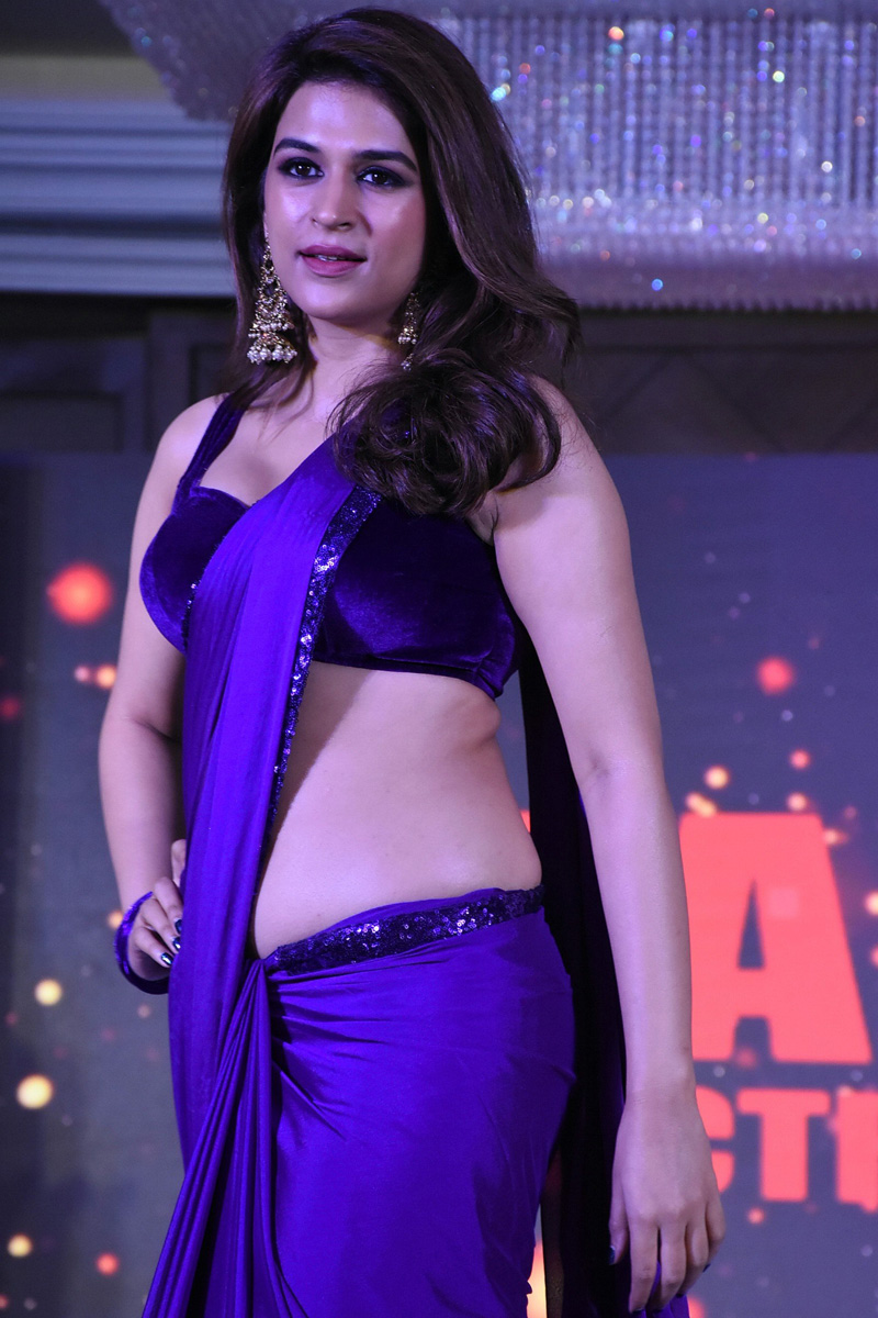 Shraddha Das Purple Saree Stills From Digital Influencer Awards In Hyderabad Theprimetalks 8